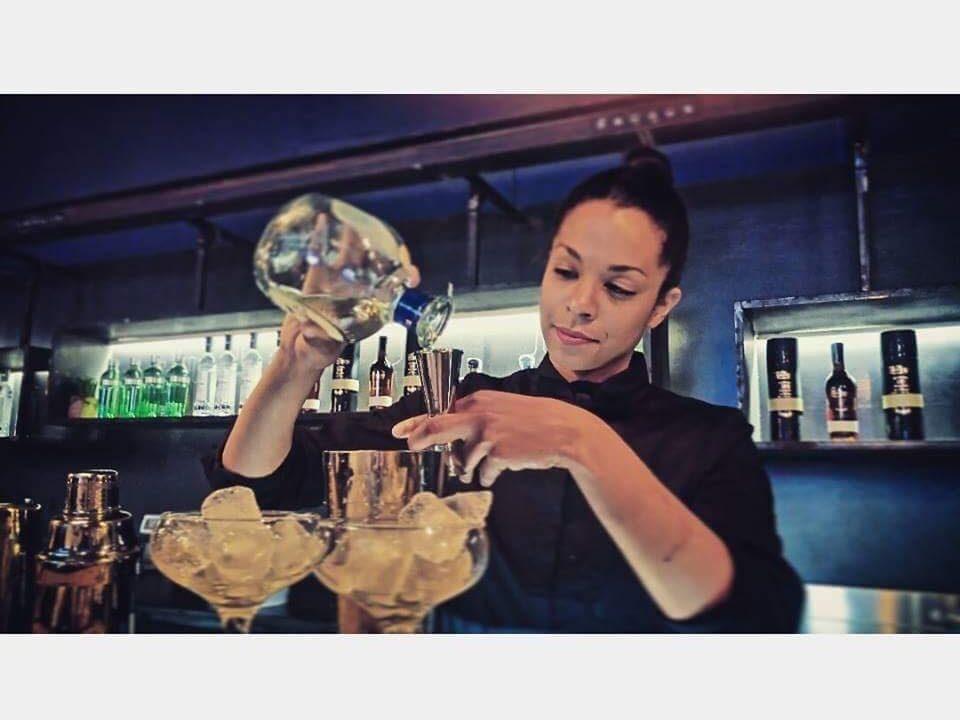 lavoro barmaid barlady